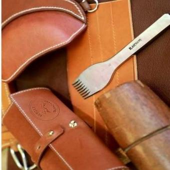 #vergezblanchard #outilcuir  #leathertools  #madeinfrance  #griffeafrapper #prickingiron    📸: @francoisdaburon_